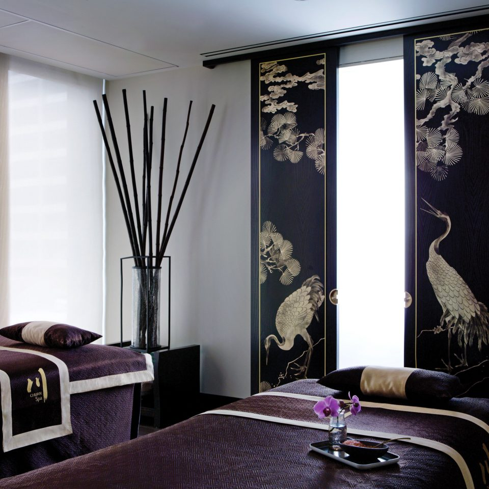 Elegant Luxury Spa Wellness property Bedroom black living room textile curtain