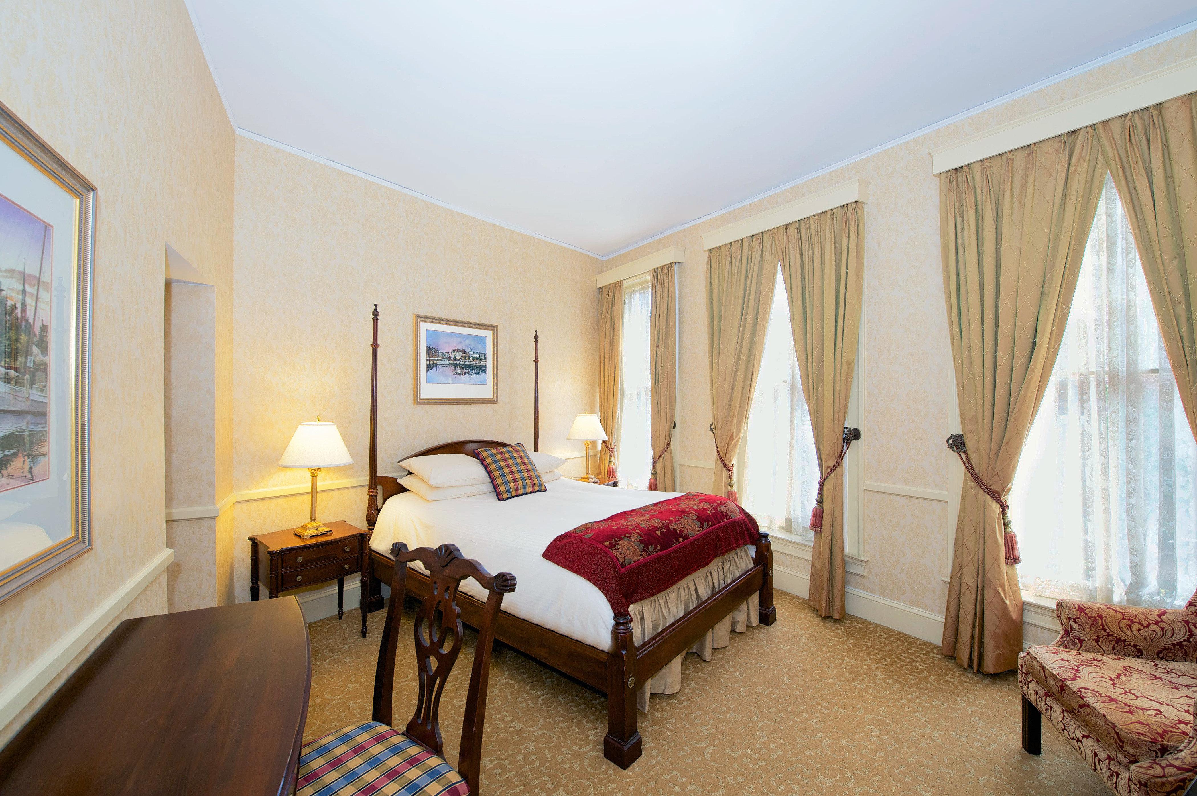 Bedroom Elegant Luxury Suite property house home cottage Villa living room