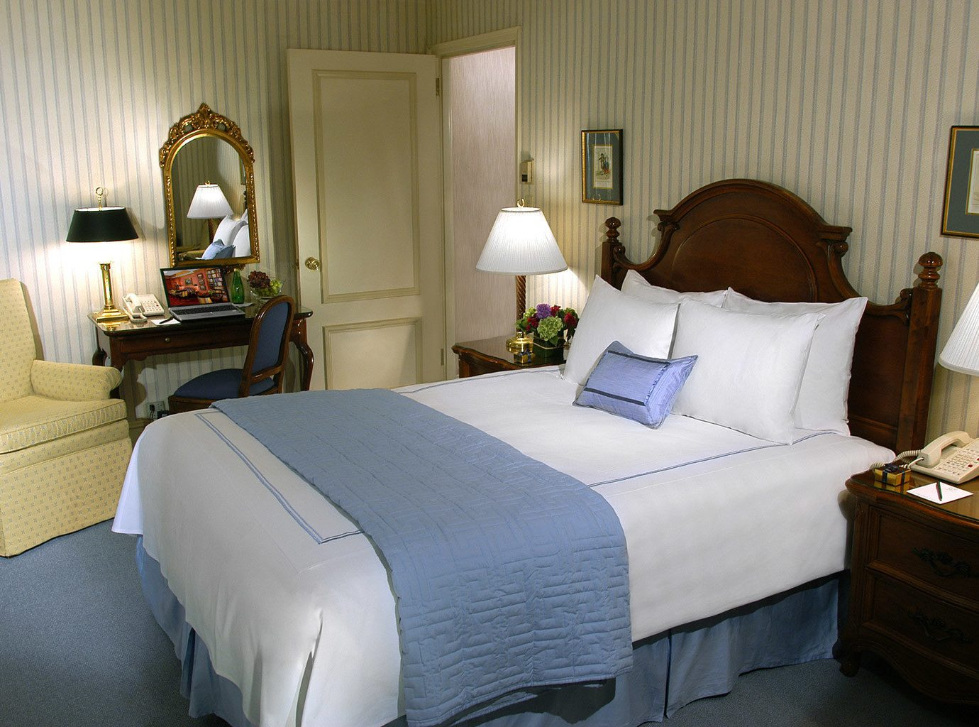 Bedroom Elegant Luxury Suite sofa property cottage home living room bed sheet pillow lamp