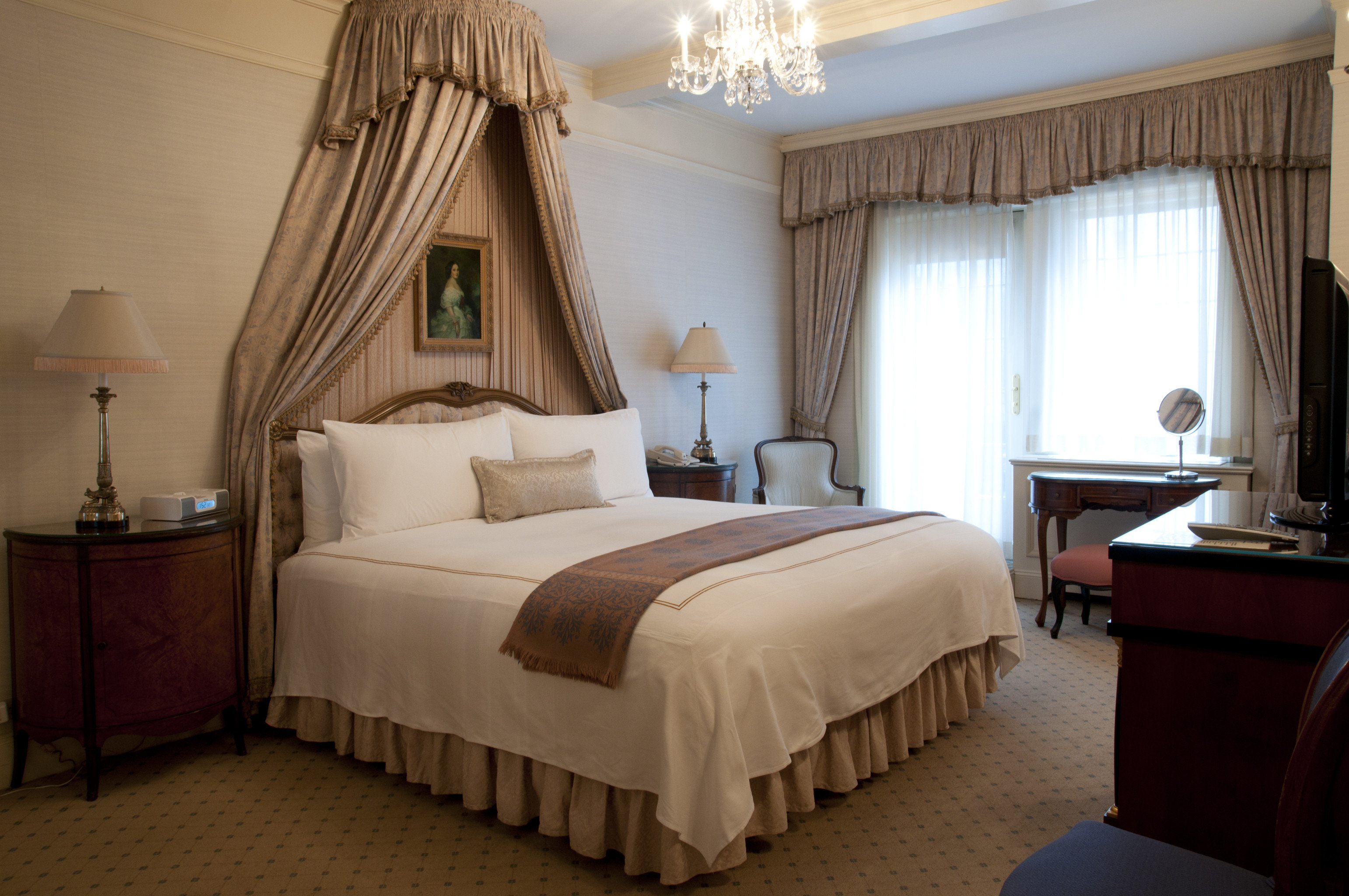 Bedroom Elegant Luxury Suite property desk cottage double containing