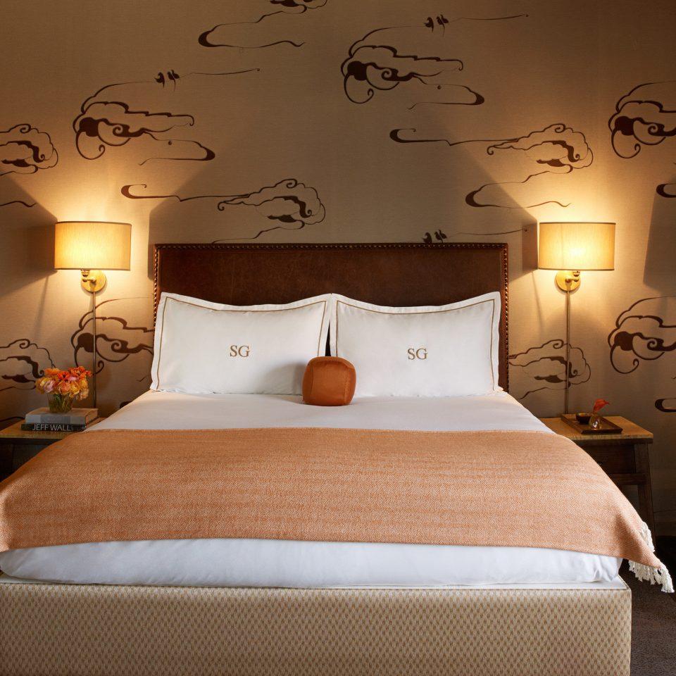 Bedroom Elegant Luxury property Suite bed sheet cottage night