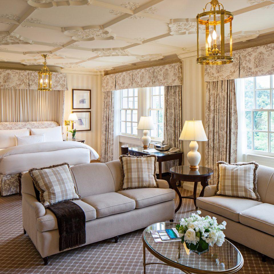 Bedroom Elegant Luxury Suite living room property home cottage mansion