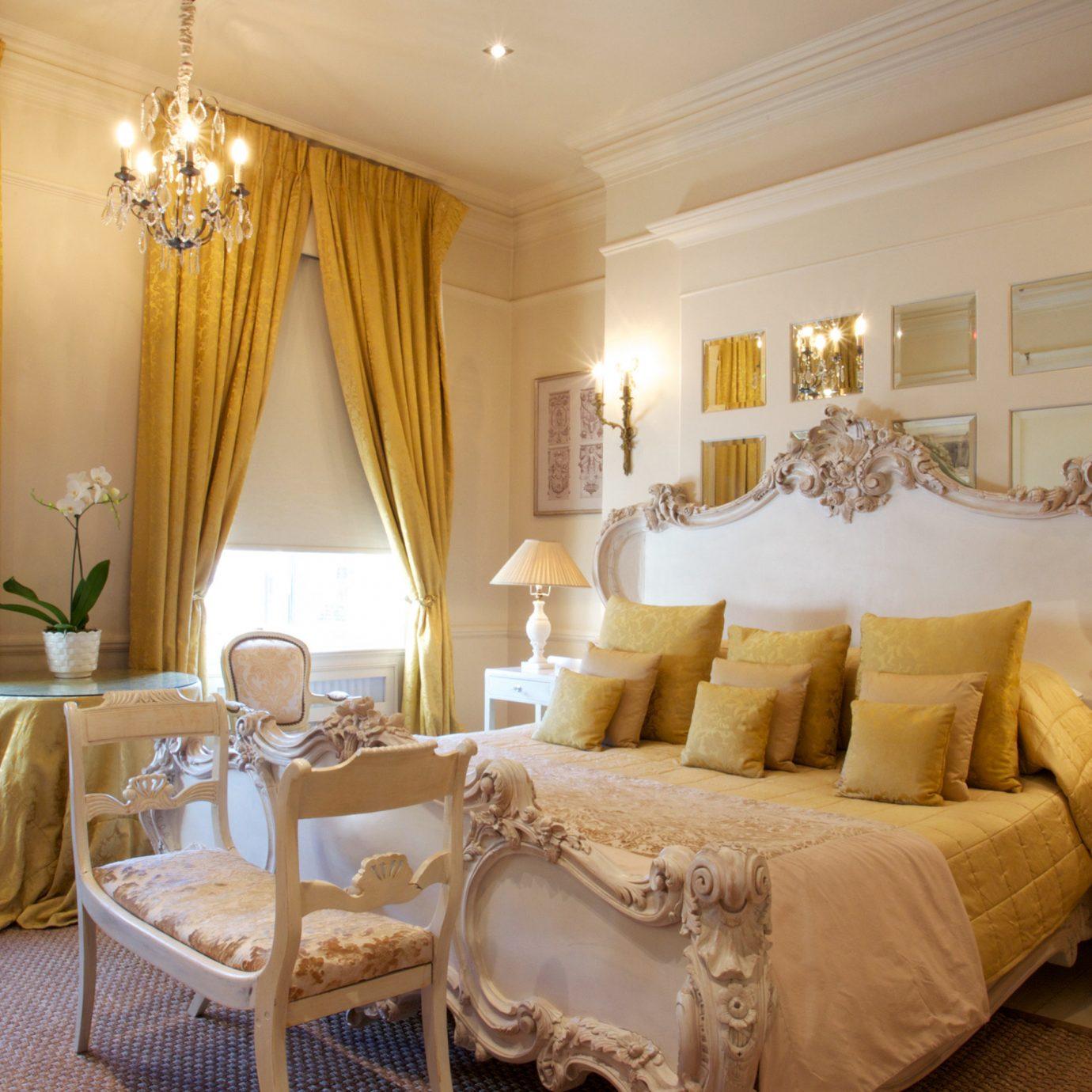 Bedroom Elegant Luxury Suite property living room cottage