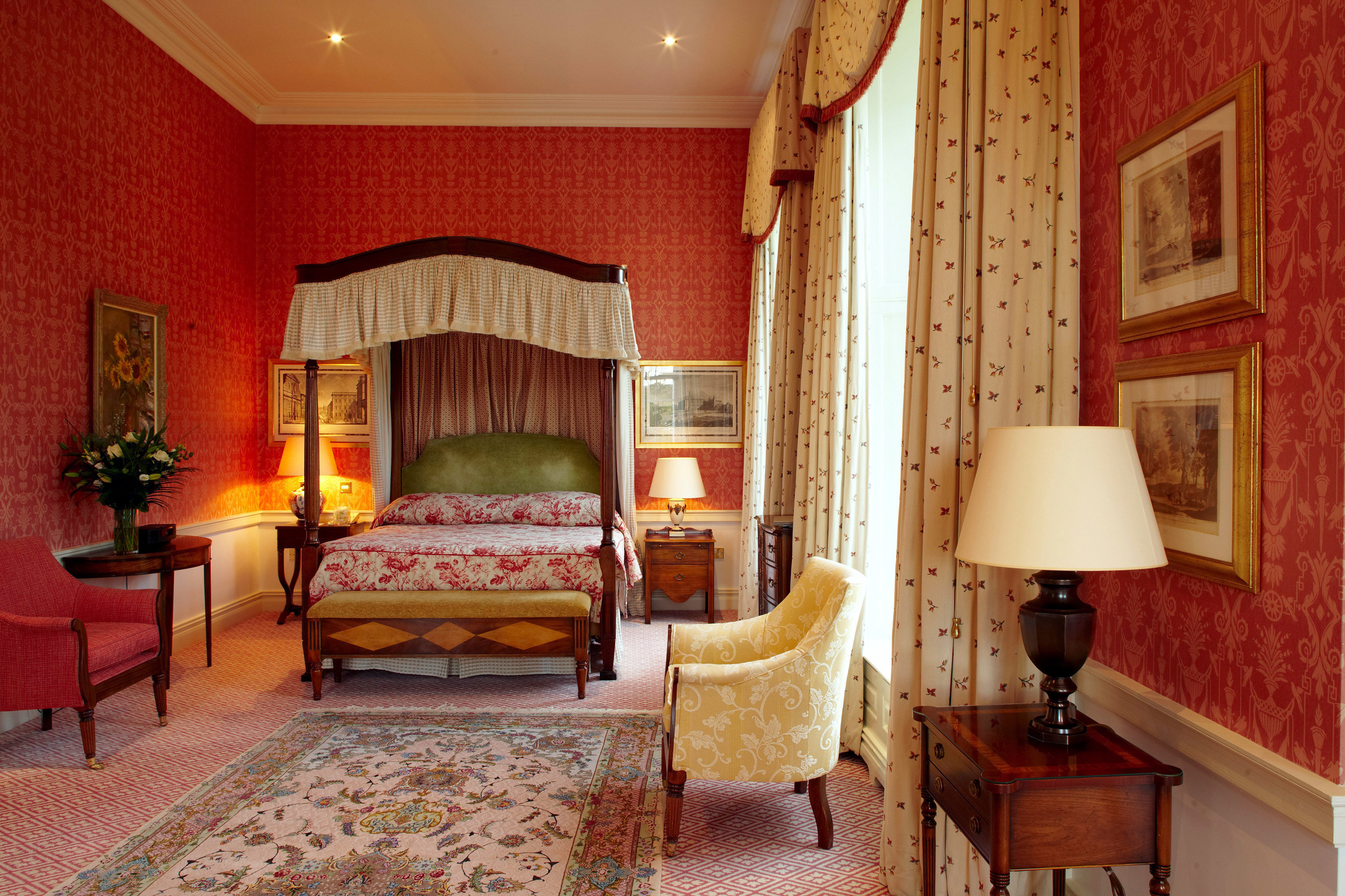 Bedroom Elegant Luxury property Suite living room cottage hardwood home mansion Villa farmhouse lamp