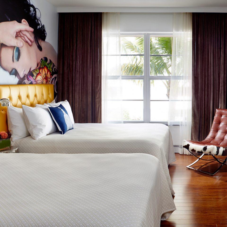 Bedroom Elegant Luxury Suite property home living room bed sheet