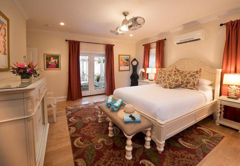 Bedroom Elegant Luxury Suite property home cottage living room hardwood farmhouse Villa