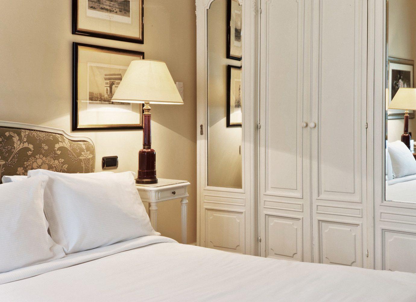 Bedroom Elegant Luxury Suite white bed sheet textile