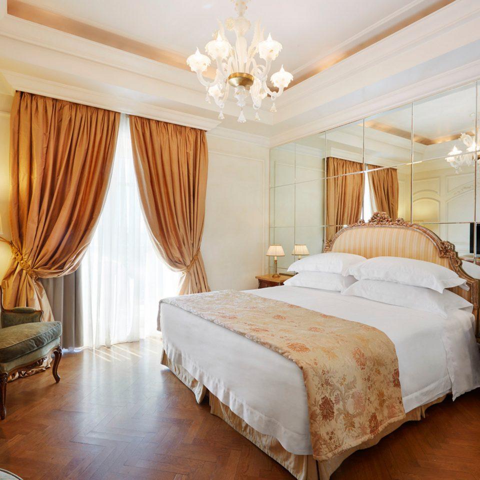 Bedroom Elegant Luxury Suite property cottage flat