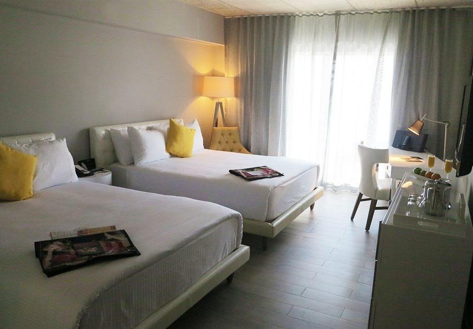 Bedroom Elegant Luxury Suite property cottage condominium Villa