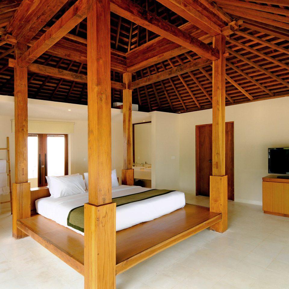 Bedroom Elegant Luxury Suite property house building cottage home farmhouse Villa attic living room