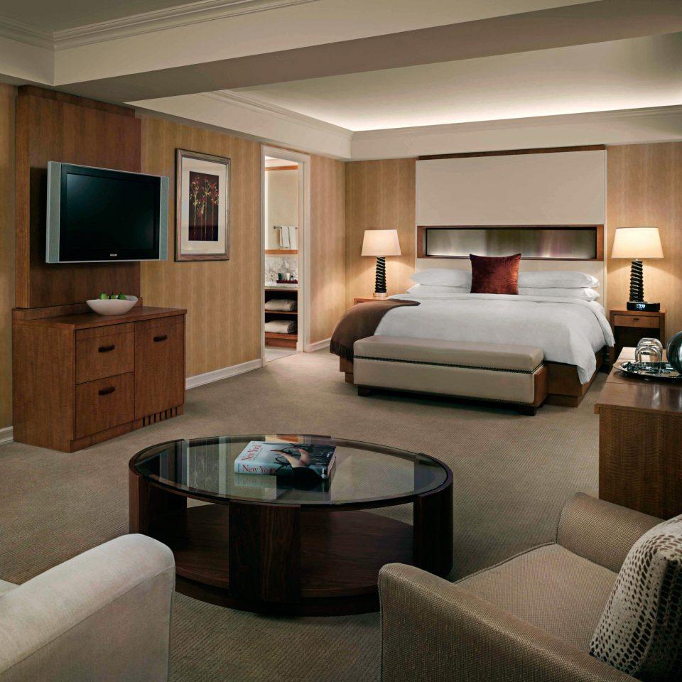 Bedroom Elegant Modern Suite sofa property living room condominium home yacht cottage flat