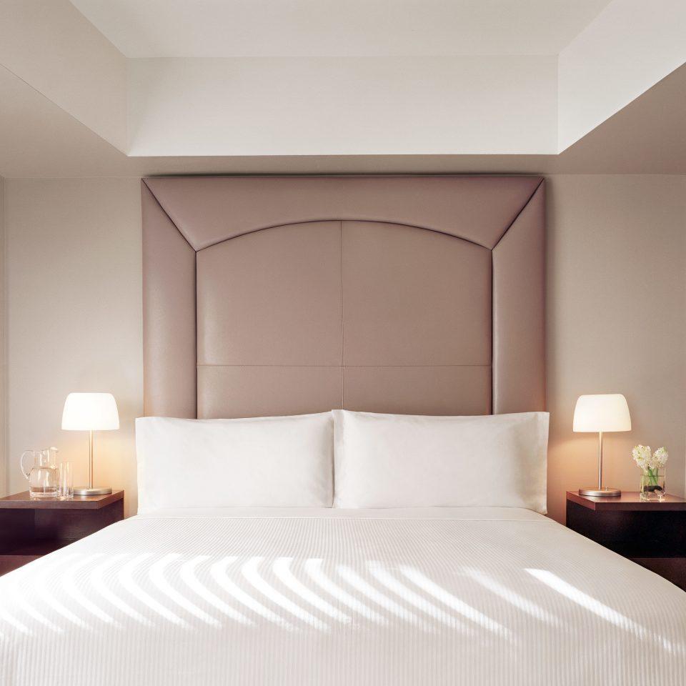 Bedroom Elegant Modern white pillow Suite bed sheet lamp