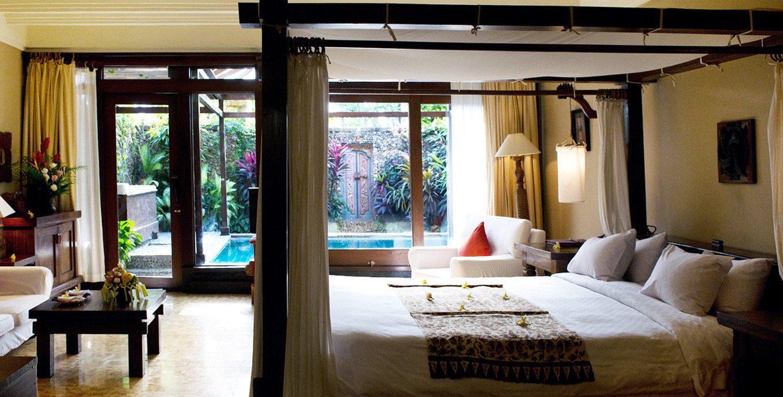 Bedroom Elegant Pool Rustic Scenic views Tropical property living room home Suite condominium Villa Resort cottage mansion