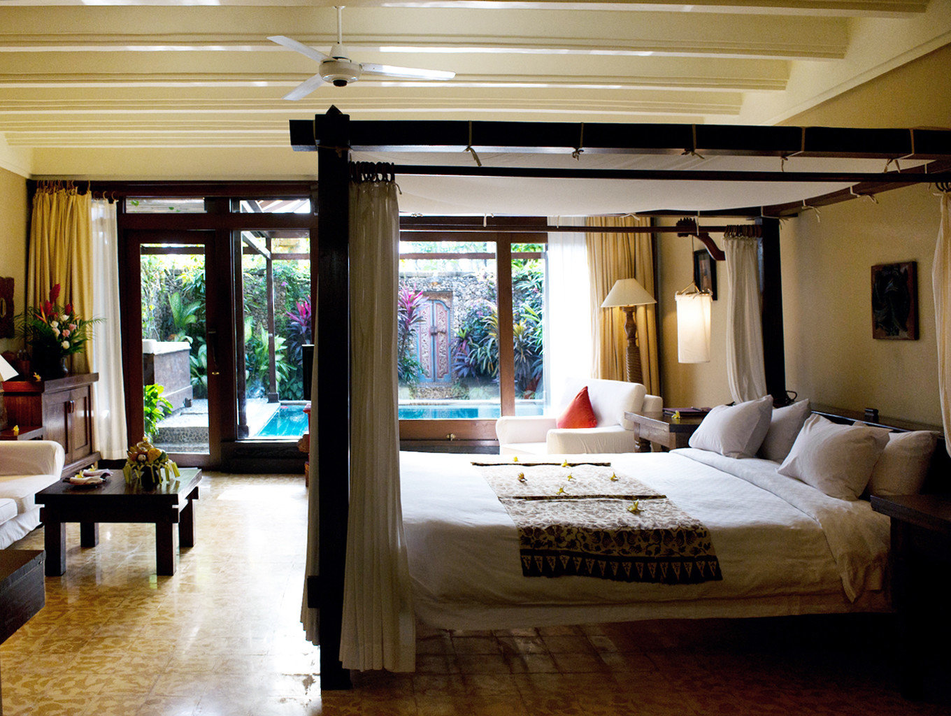 Bedroom Elegant Pool Rustic Scenic views Tropical property living room home Suite condominium Villa Resort cottage mansion