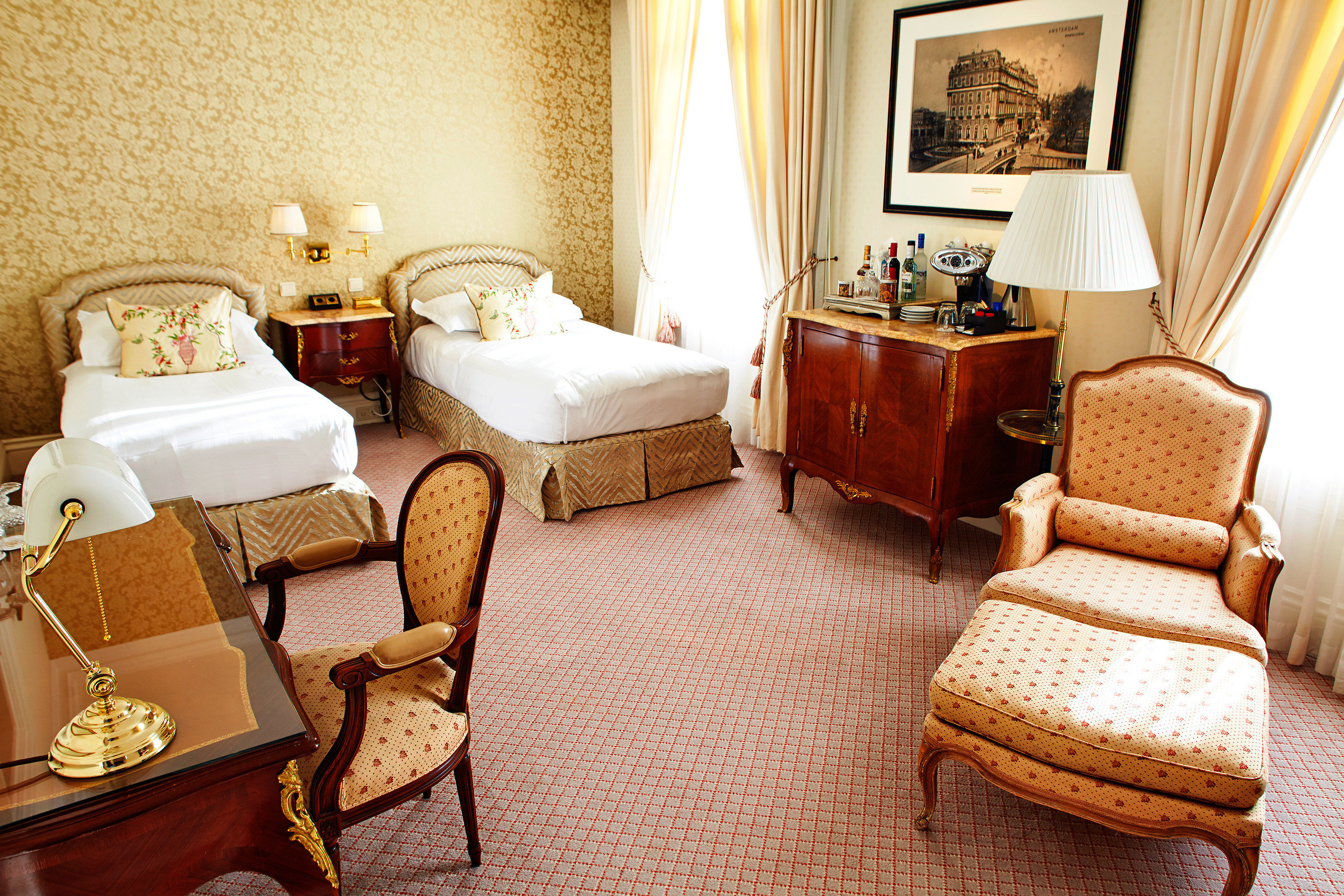 Bedroom Elegant Resort property Suite living room cottage