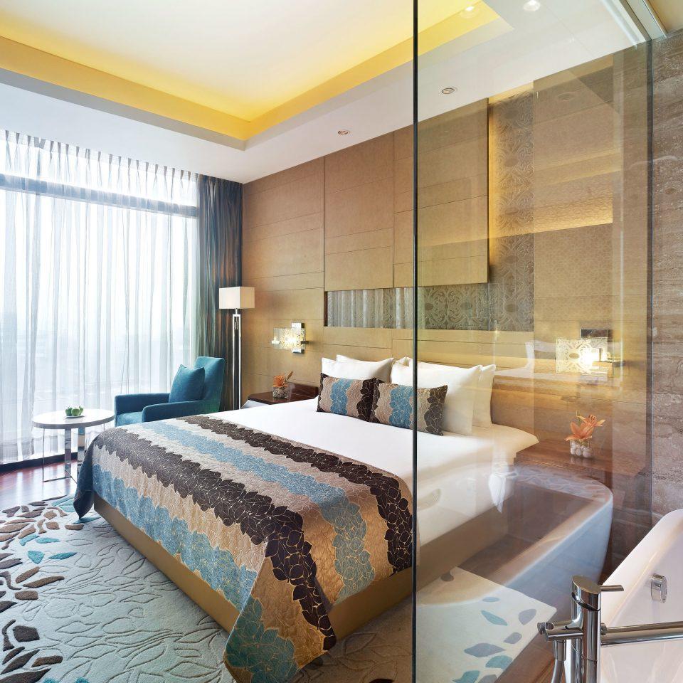 Bedroom Elegant property Suite condominium Resort