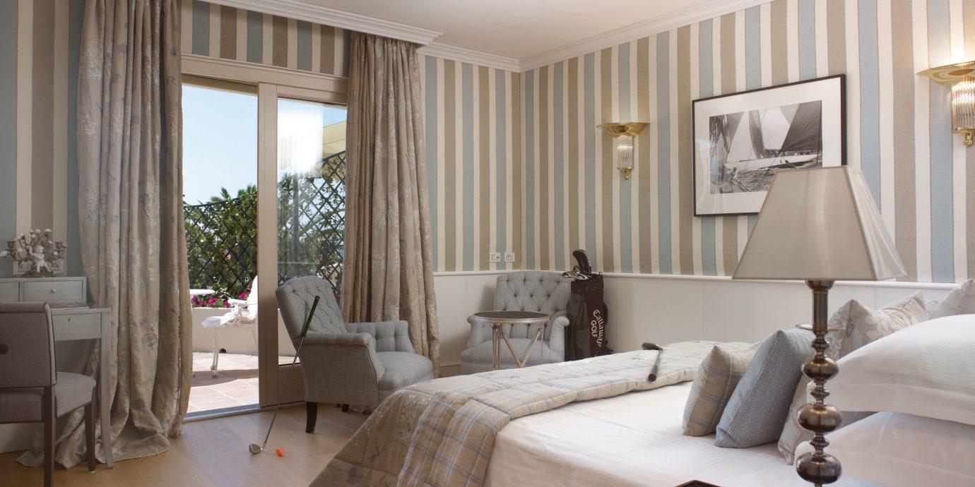 Bedroom Elegant property living room home hardwood Suite condominium curtain flat