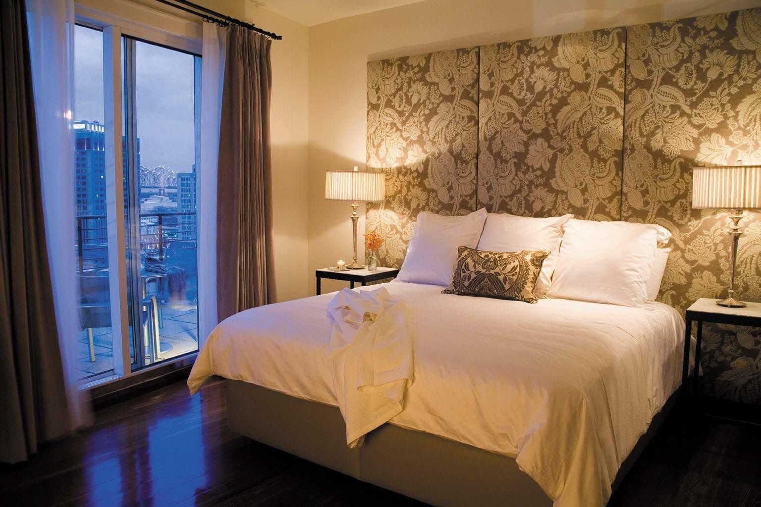 Bedroom Elegant Suite sofa property cottage night