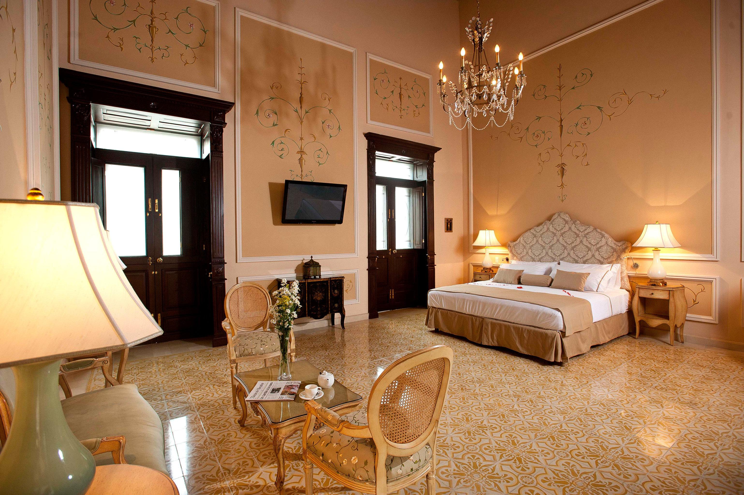 Bedroom Elegant Suite property home cottage living room hardwood farmhouse Villa