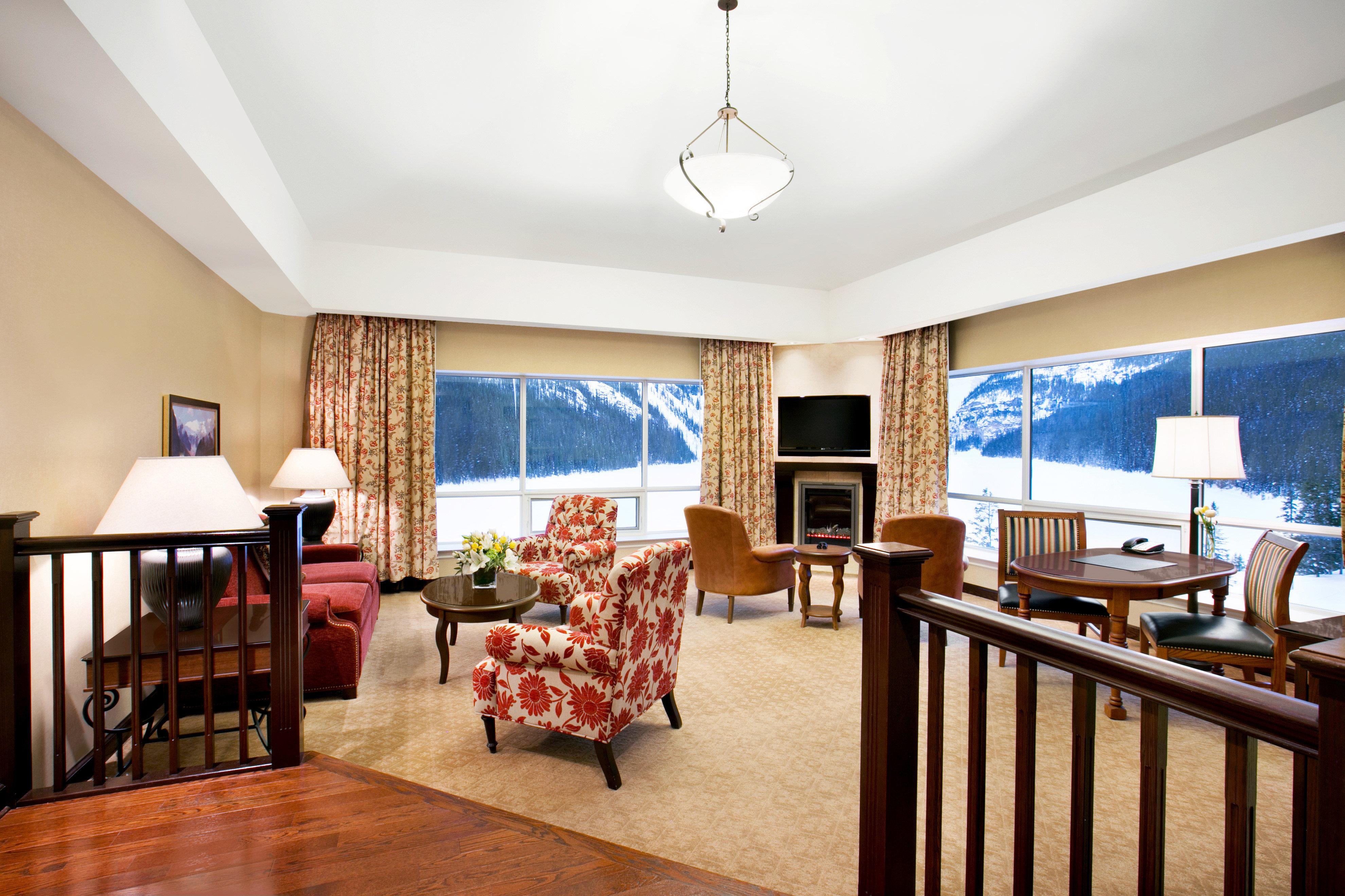 Entertainment Modern Resort Scenic views property living room home Suite cottage Villa condominium Bedroom