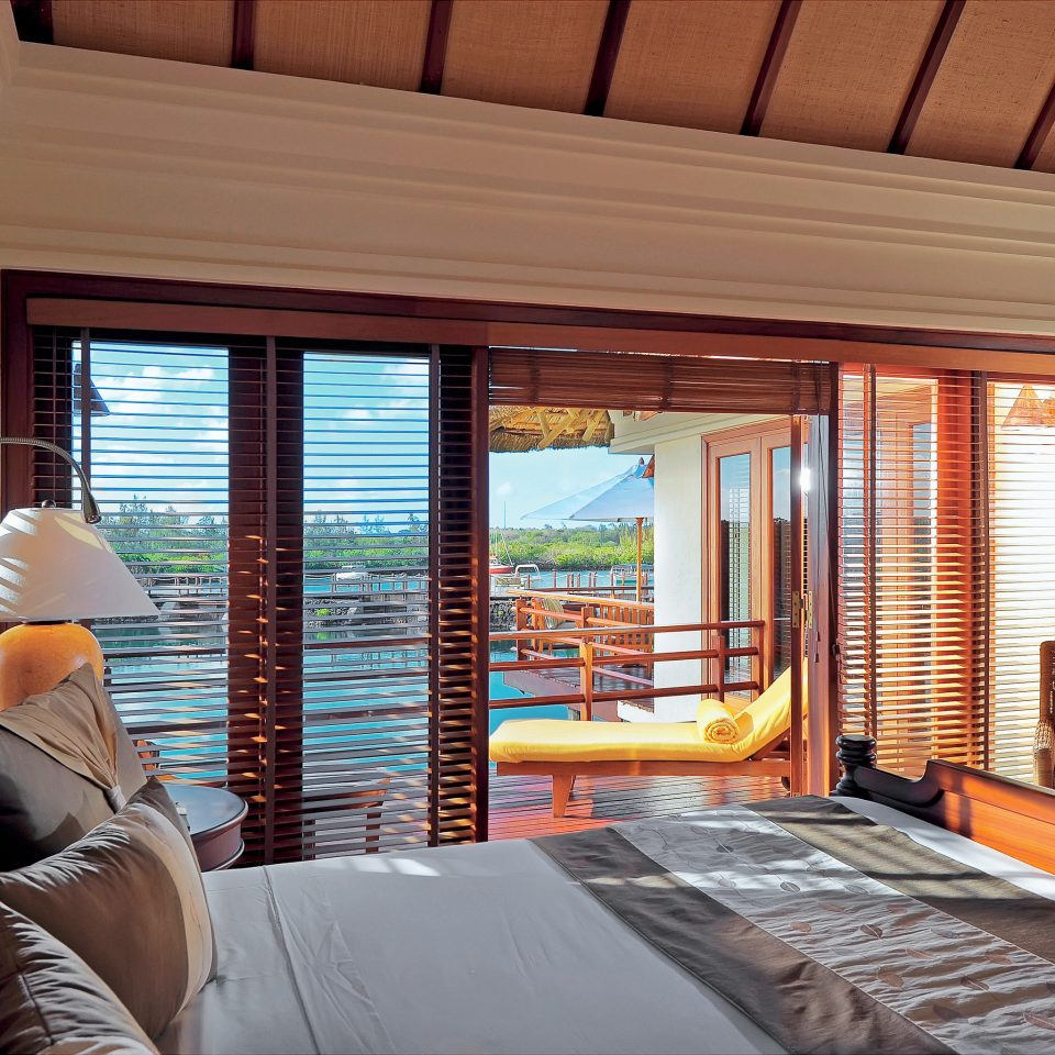 Bedroom Family Honeymoon Resort Romance Romantic Tropical Villa Waterfront property home living room cottage Suite condominium