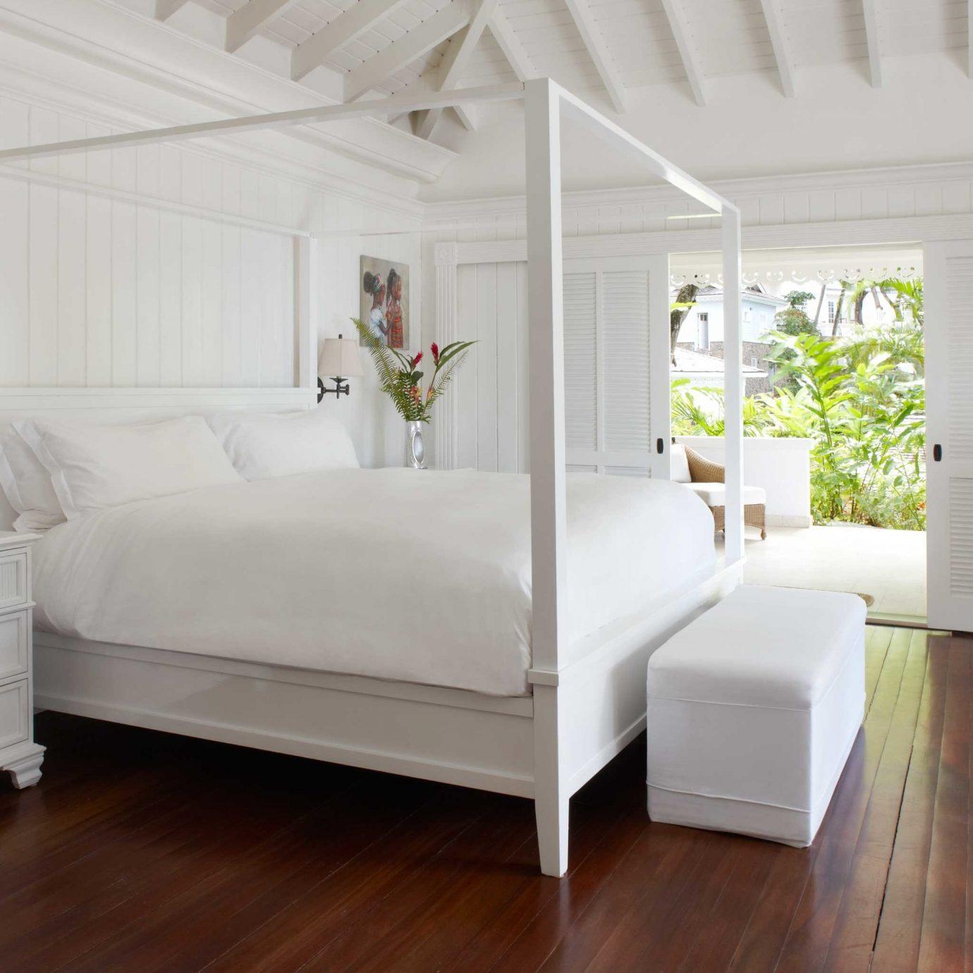 Bedroom Family Luxury Modern Resort Villa property hardwood home living room bed frame cottage wood flooring flooring laminate flooring hard