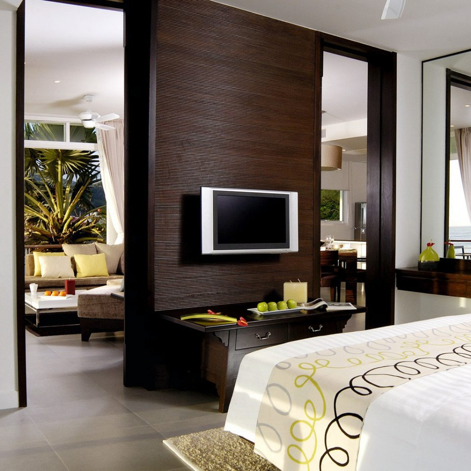 Bedroom Family Modern Resort property condominium Suite home living room