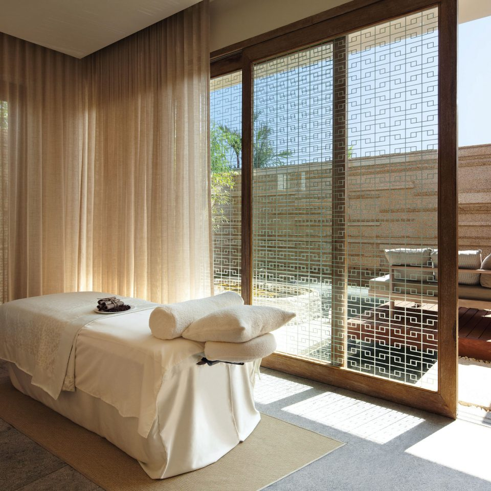 Family Modern Resort Spa Wellness property Bedroom Suite swimming pool containing