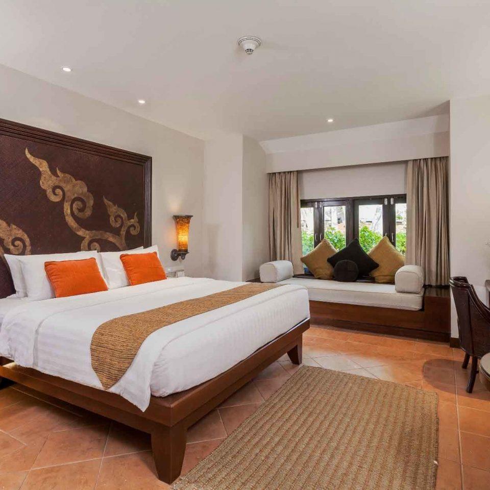 Bedroom Family Modern Resort property living room Suite hardwood home Villa condominium cottage flat