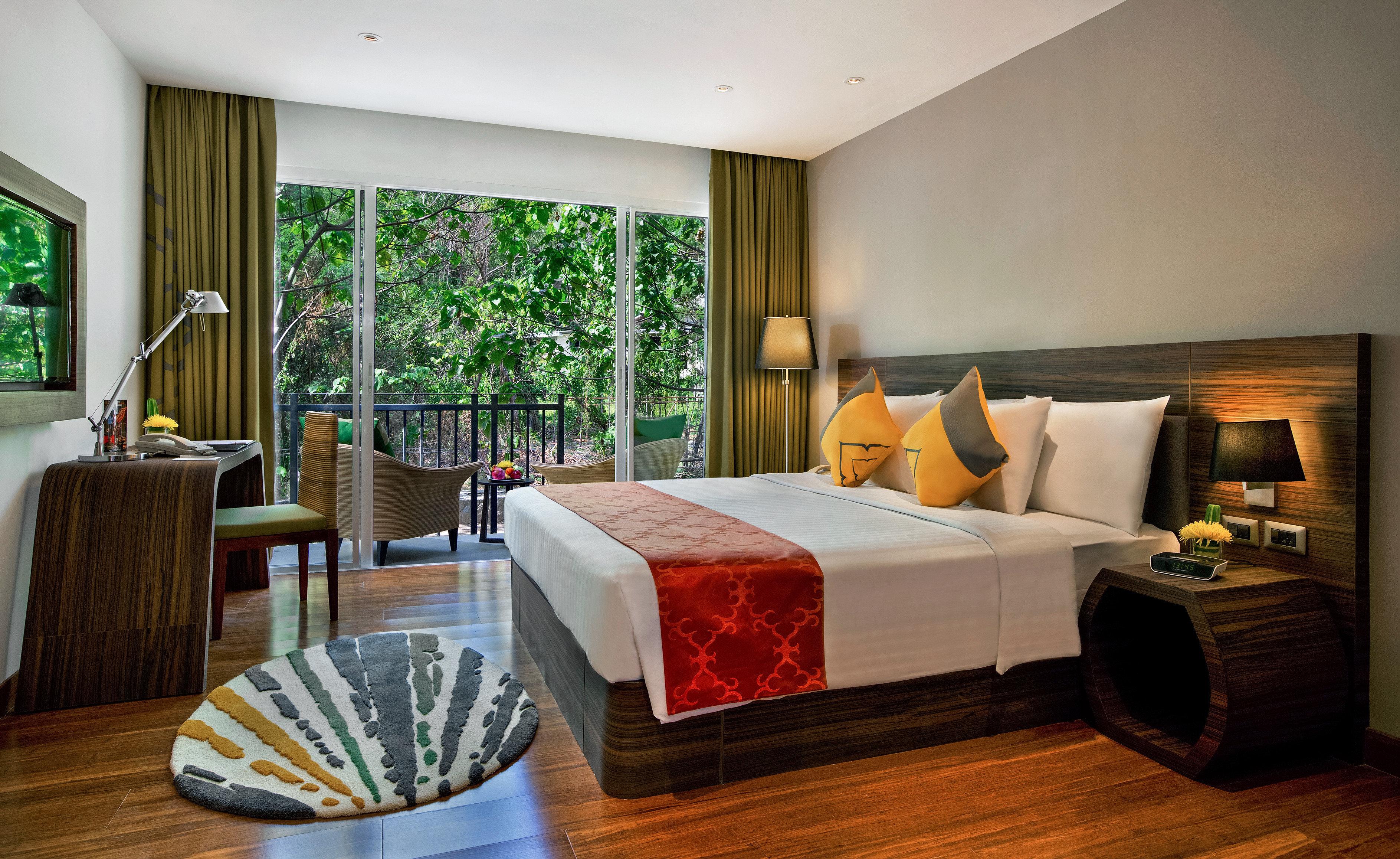 Bedroom Family Patio Resort property Suite living room condominium home Villa