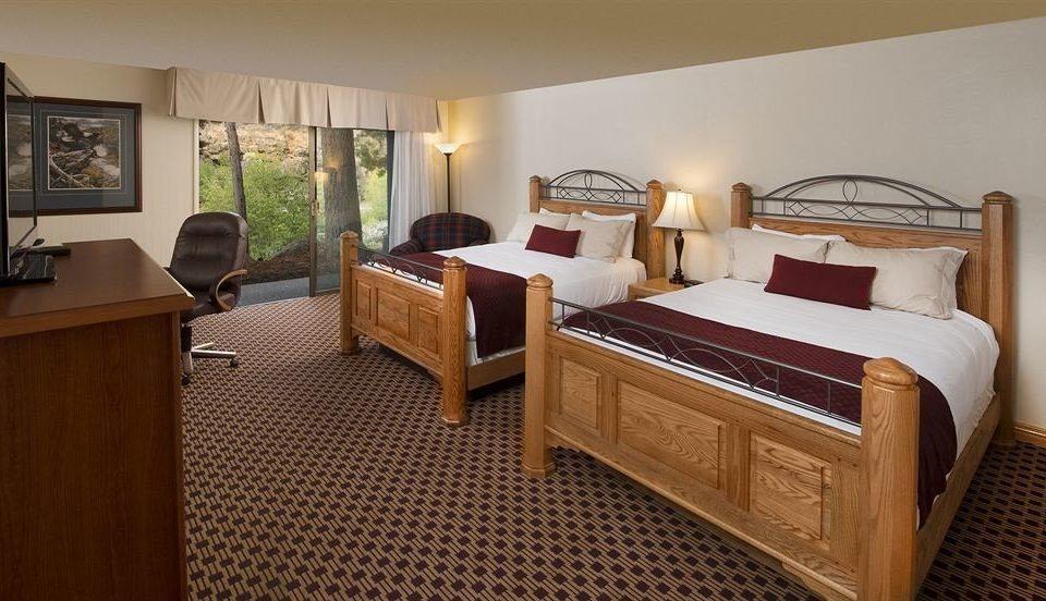 Bedroom Family Resort property Suite hardwood cottage