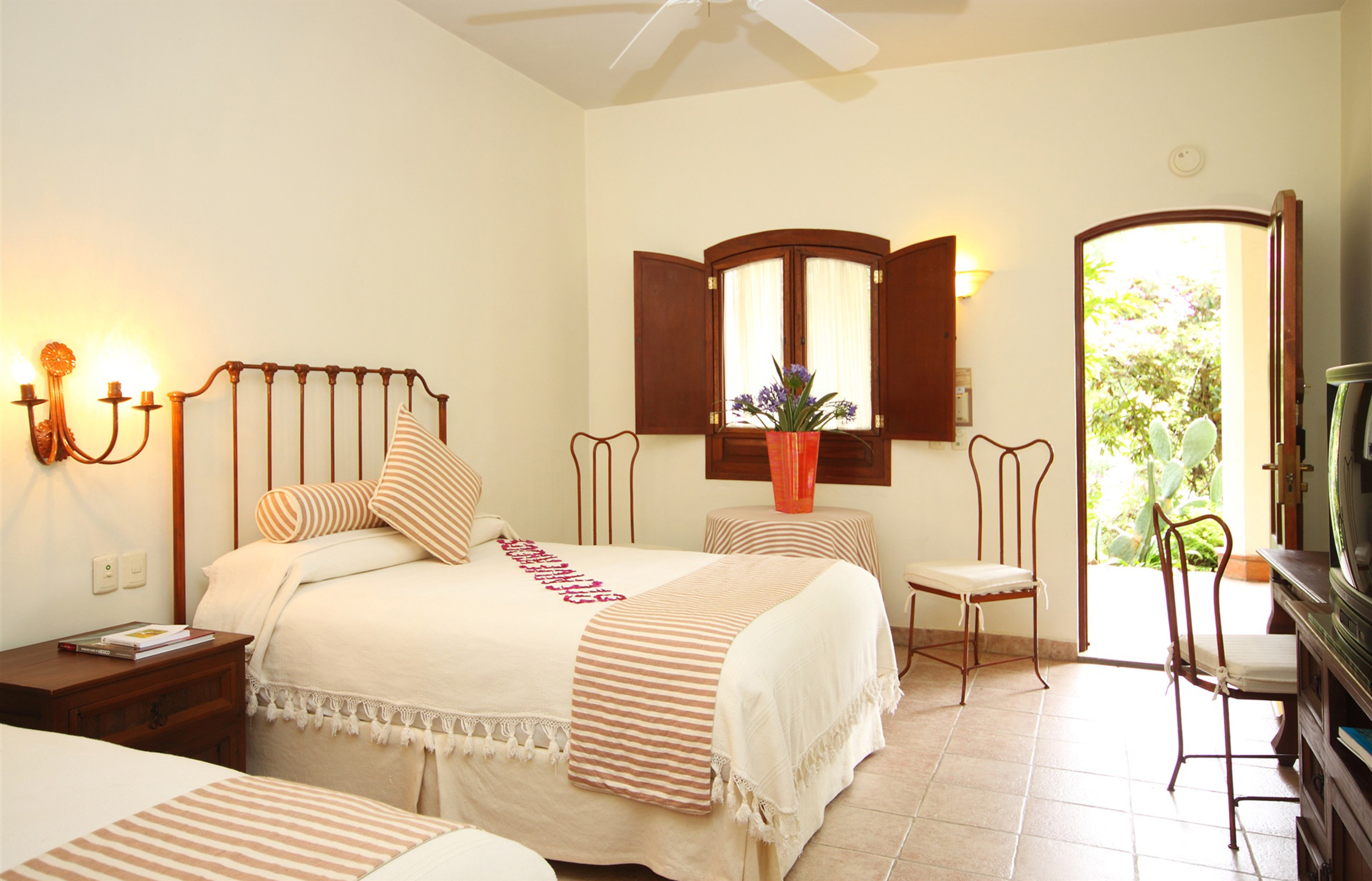 Bedroom Family Rustic property Suite cottage home living room Villa