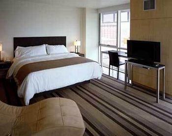 Bedroom Family property cottage Suite bed frame tan