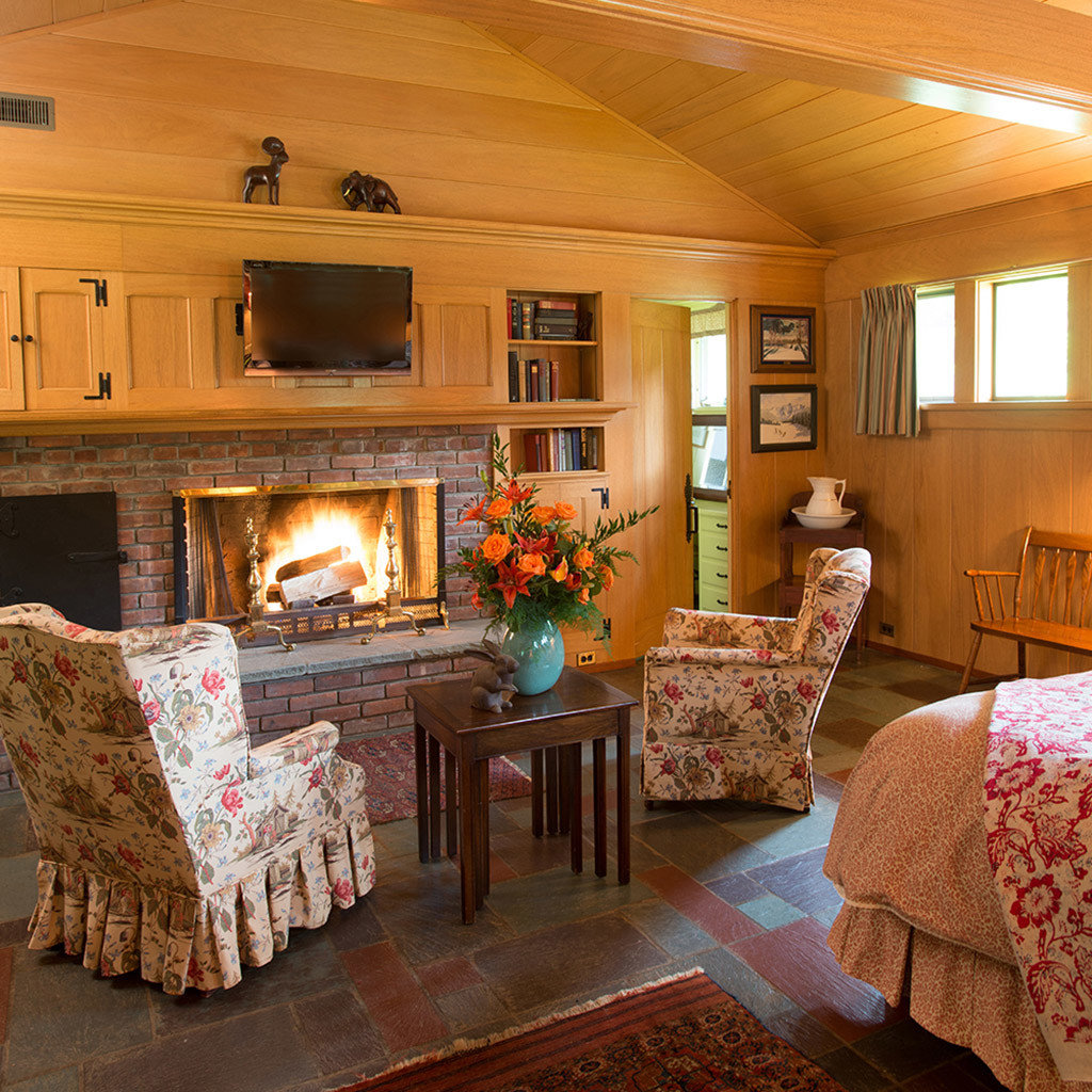 property living room house home log cabin cottage hardwood farmhouse Fireplace Bedroom colored