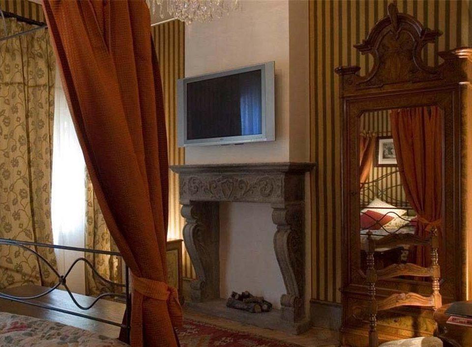 curtain property house home hardwood living room cottage mansion Fireplace Bedroom