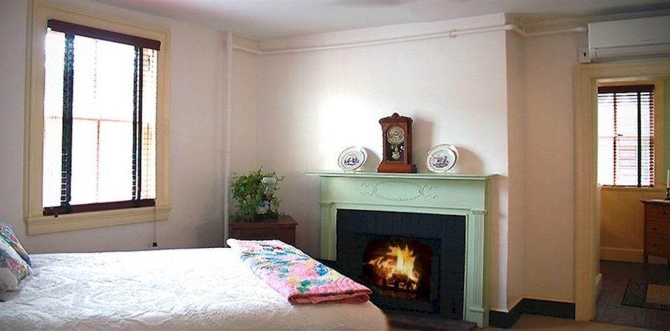 property living room home Fireplace cottage hardwood Bedroom