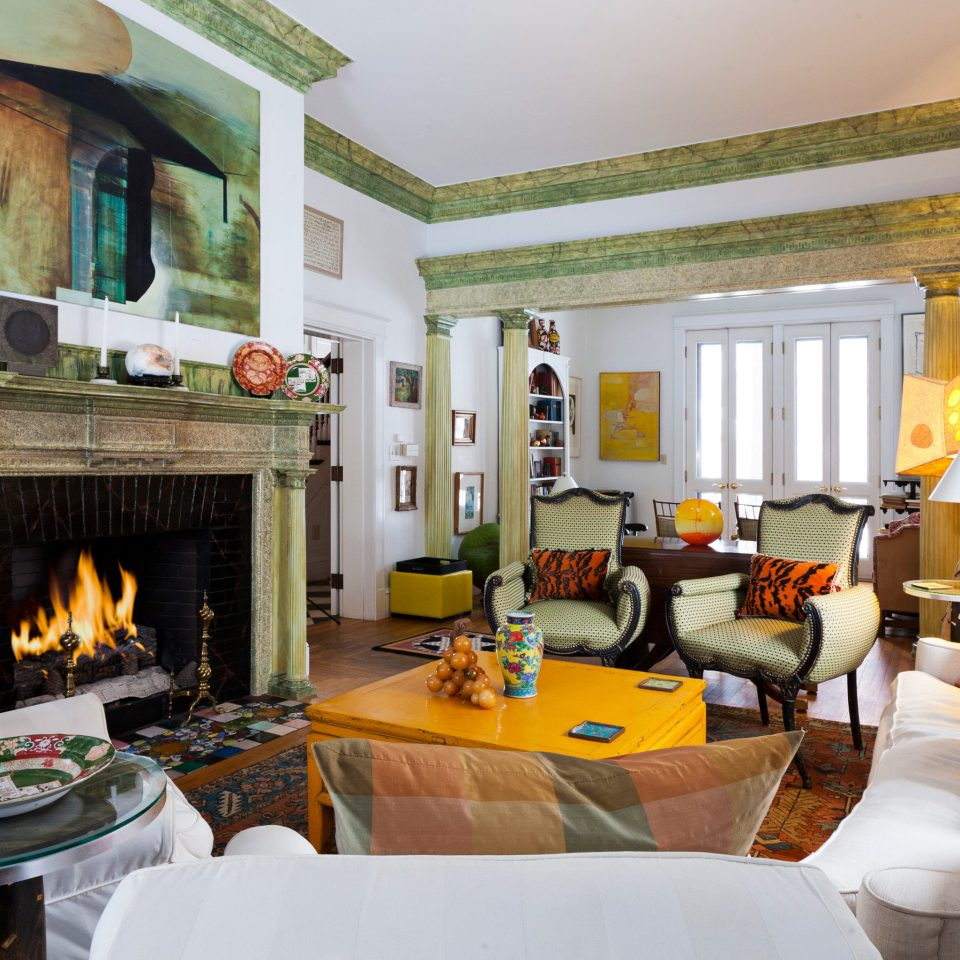 Bedroom Inn Rustic property living room Fireplace home Villa cottage Suite Resort