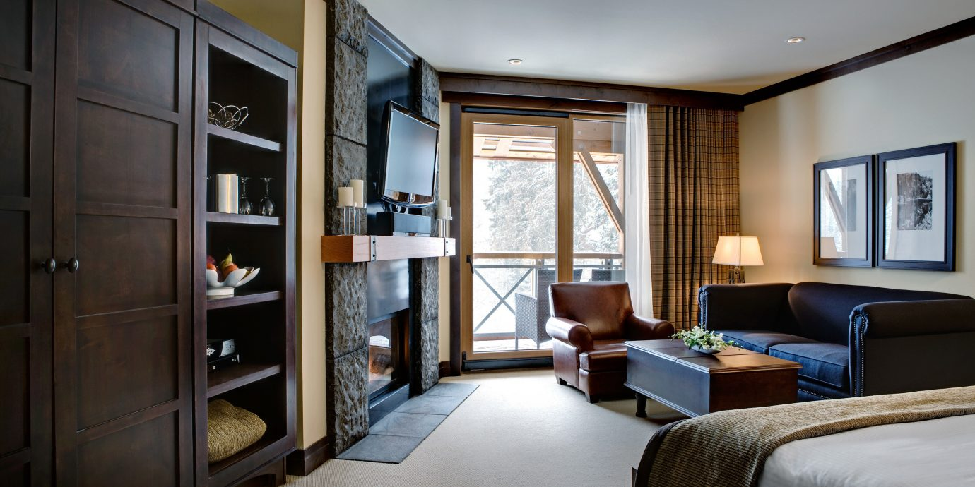 Bedroom Fireplace Lodge Luxury Mountains Romantic Scenic views Suite Trip Ideas property living room home condominium