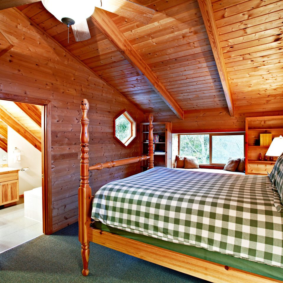 Bedroom Fireplace Lodge Resort Rustic Scenic views property log cabin wooden cottage home farmhouse Villa