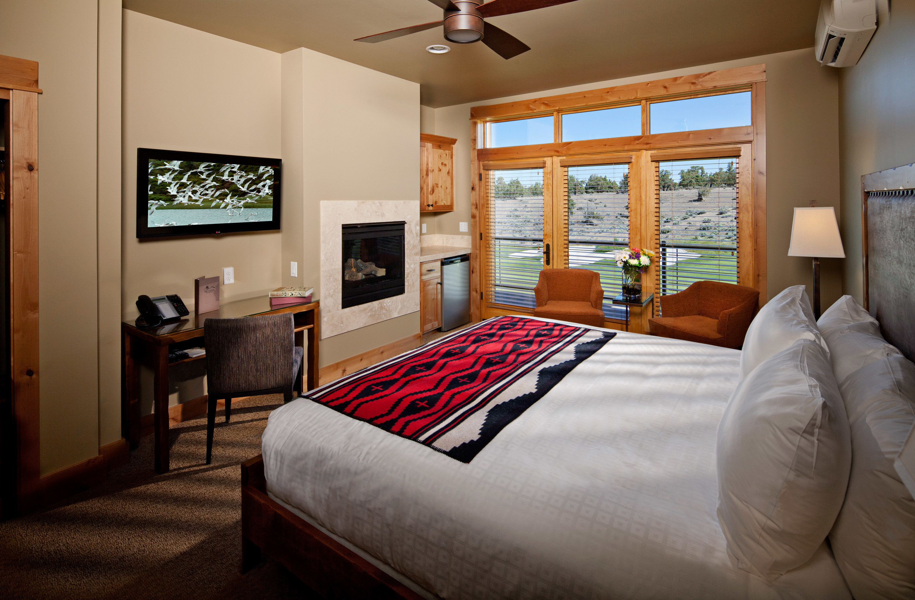Bedroom Fireplace Ranch Rustic Scenic views sofa property home cottage living room pillow Suite