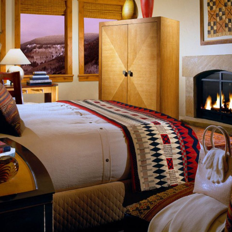 Bedroom Fireplace Resort Scenic views home living room cottage