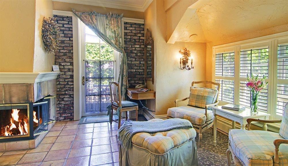 property living room home cottage Villa Fireplace mansion farmhouse Resort condominium Suite Bedroom
