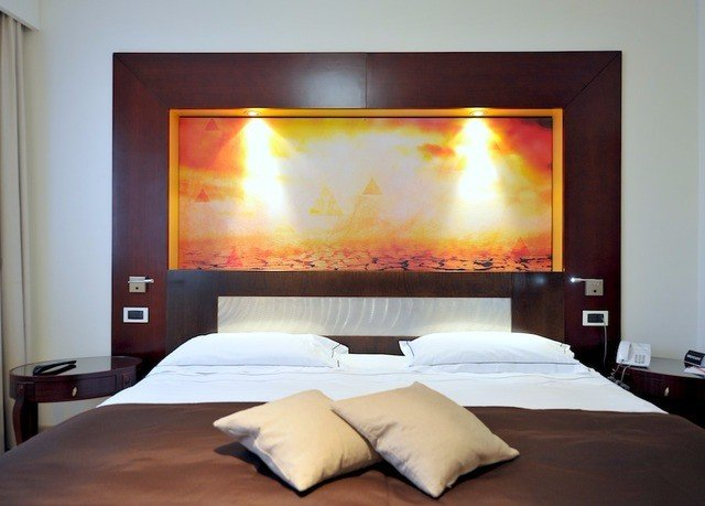 Fireplace hearth Suite living room Bedroom flat painting