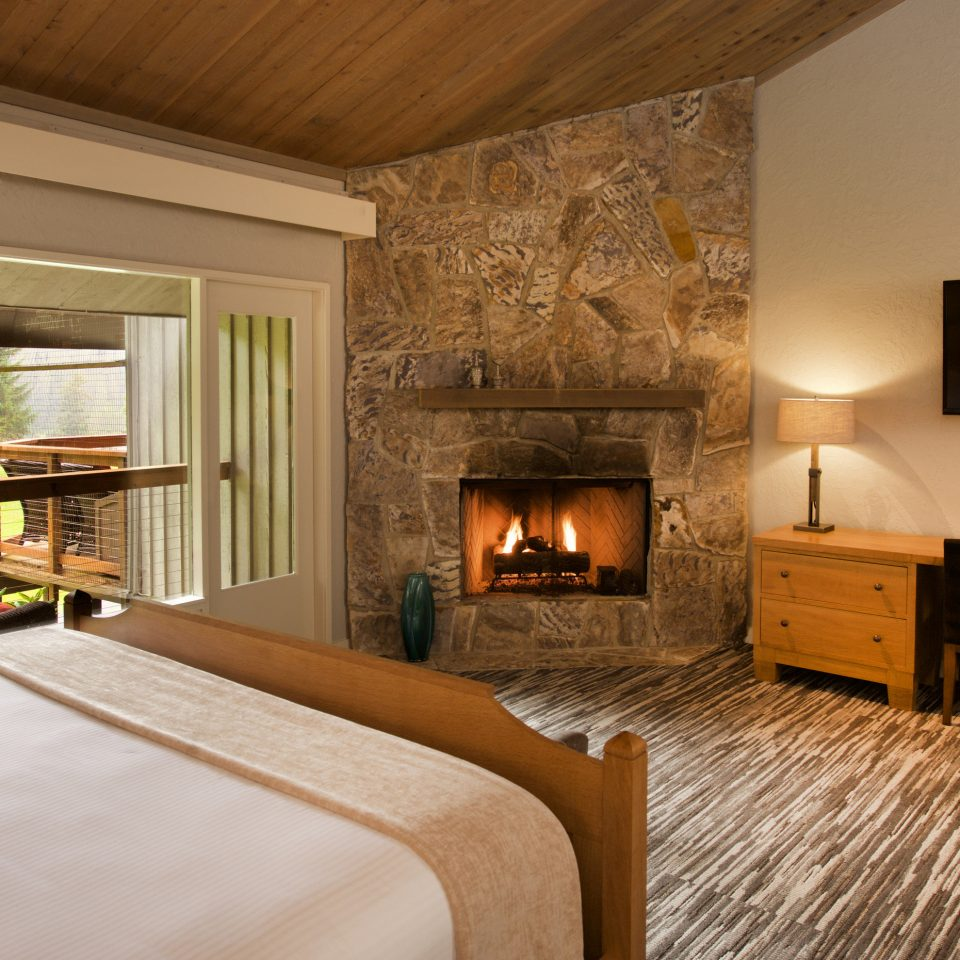 property Bedroom Fireplace home hardwood living room cottage farmhouse Villa wood flooring
