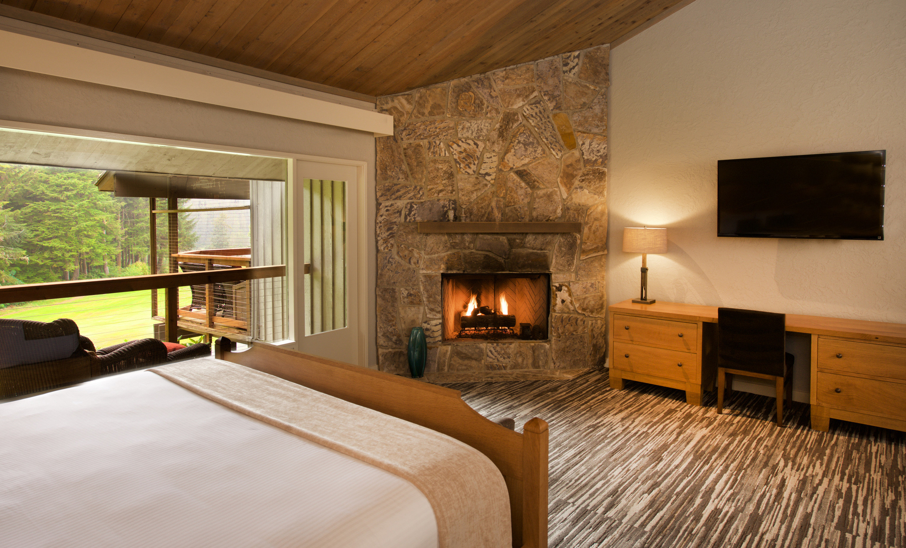property Bedroom Fireplace home hardwood living room cottage farmhouse Villa wood flooring