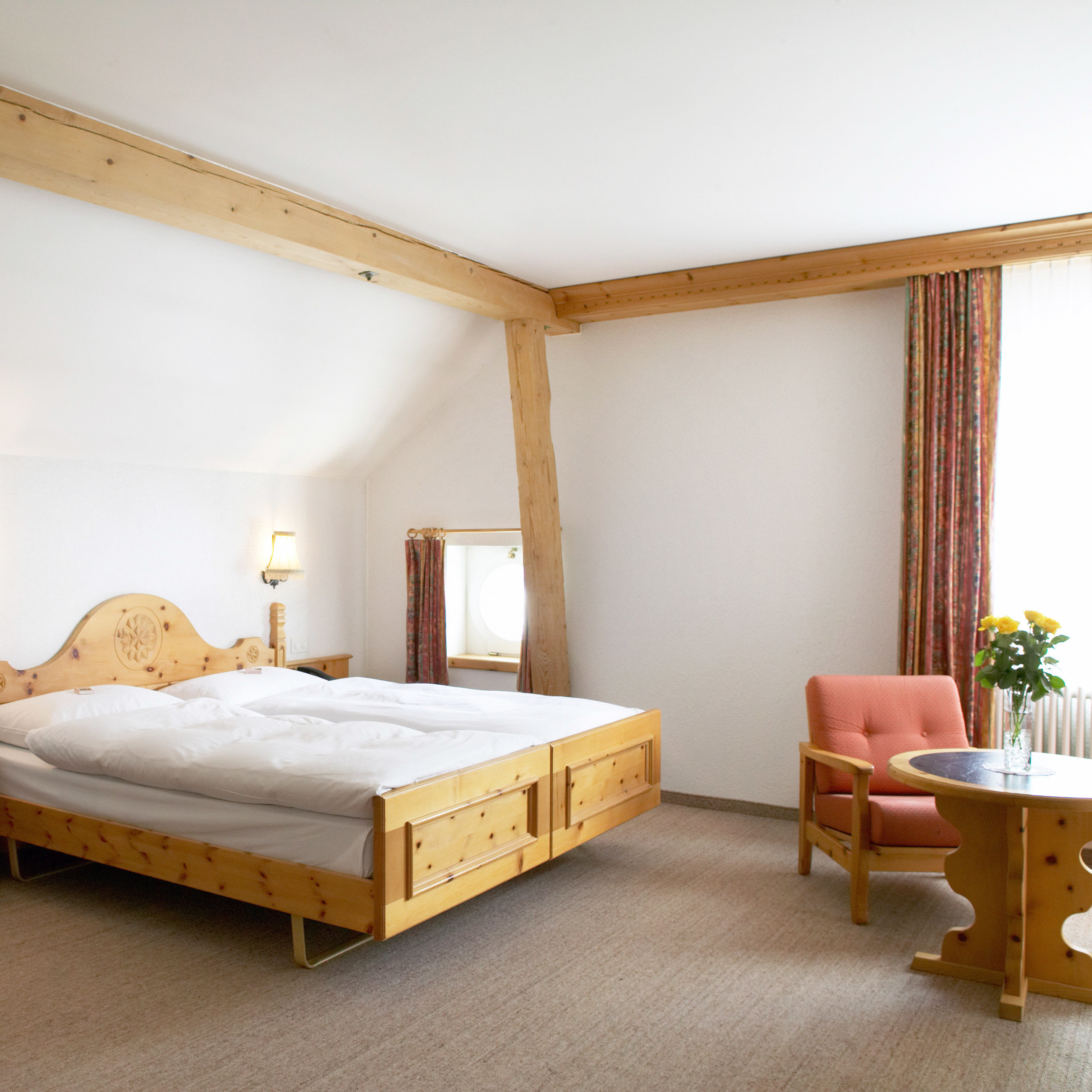 Bedroom Forest Mountains Nature property living room hardwood bed frame Suite studio couch cottage
