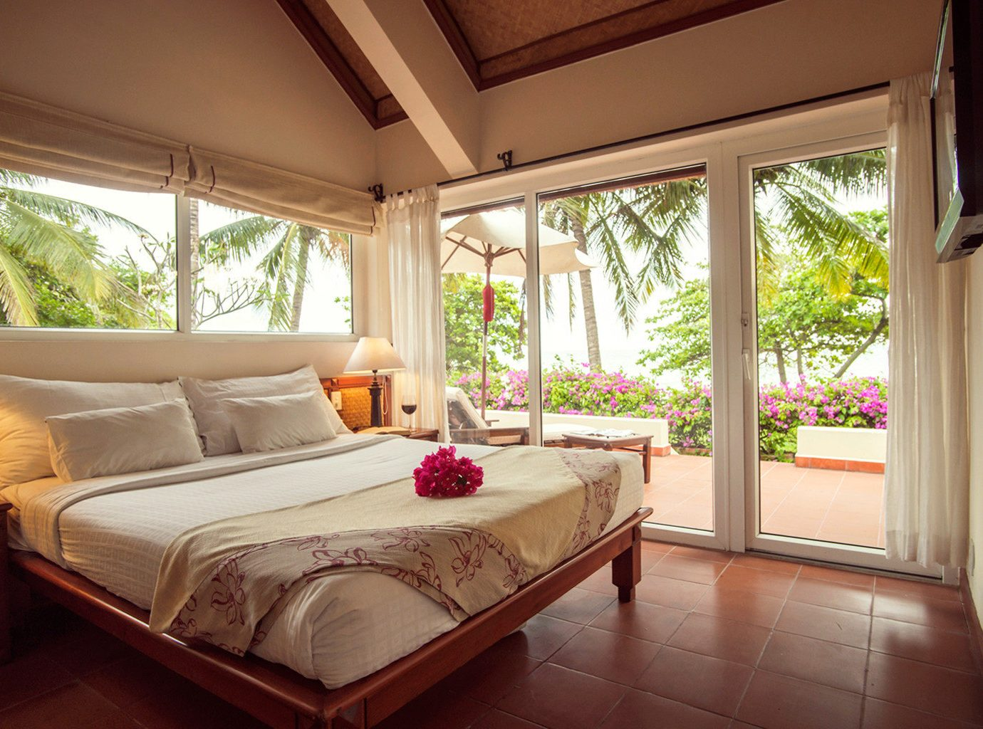 Bedroom Garden Jungle Ocean Resort Scenic views Spa Suite Terrace Tropical Waterfront property house home Villa living room cottage mansion