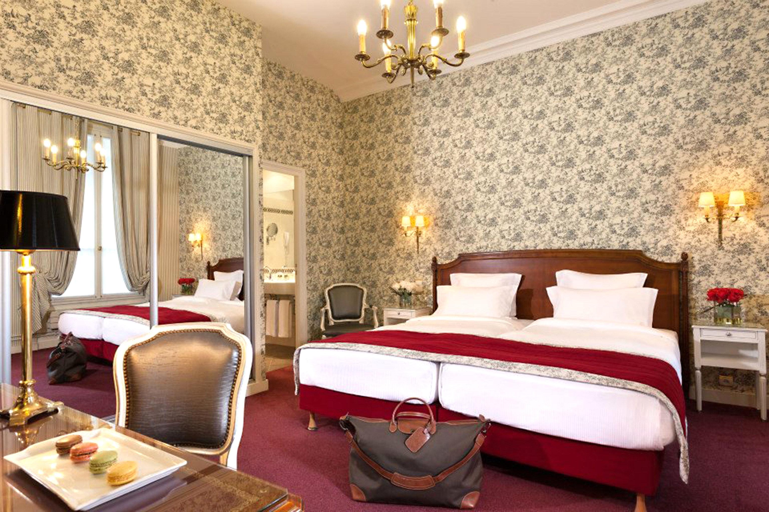 Bedroom Hip Historic Luxury Modern Rustic Suite property bed sheet living room