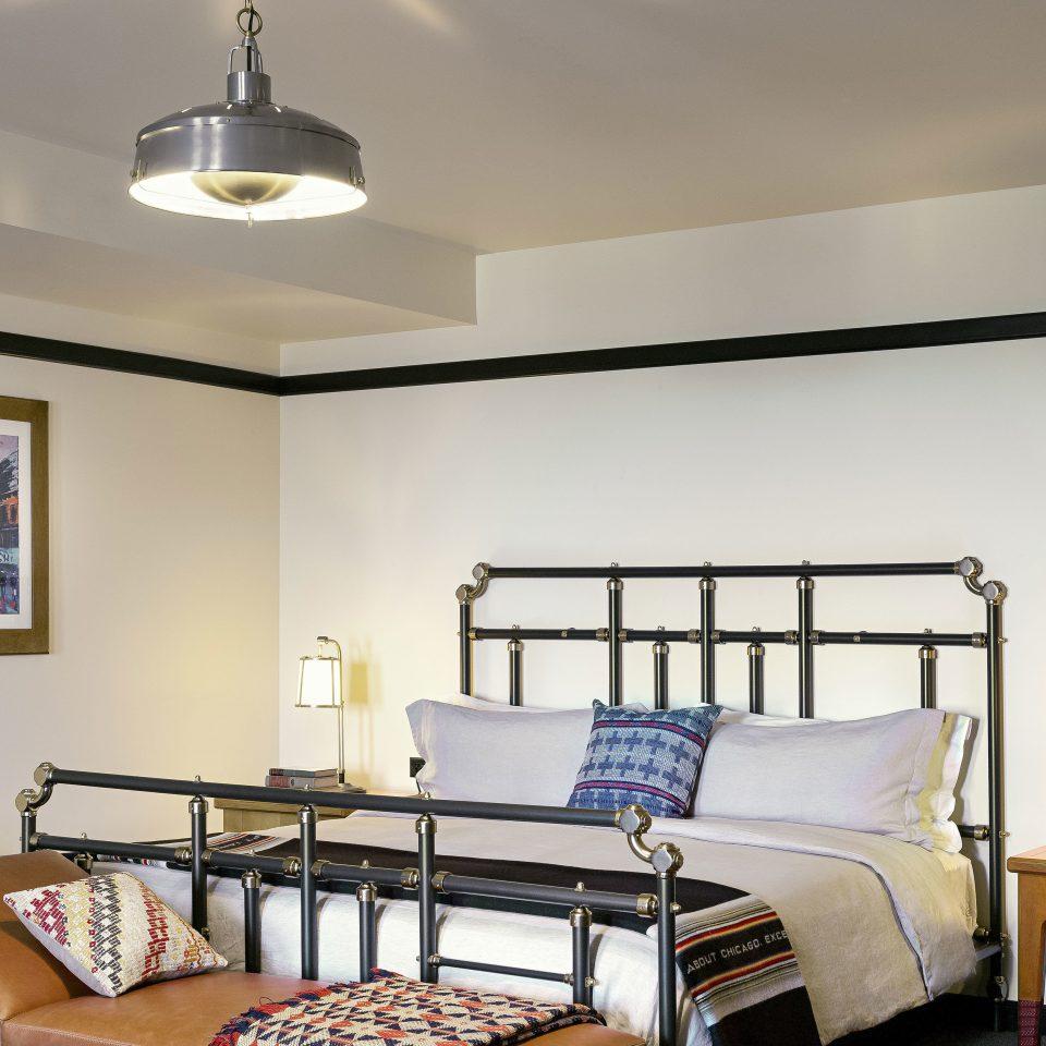 Bedroom Hip Historic Modern property living room home Suite Villa cottage condominium