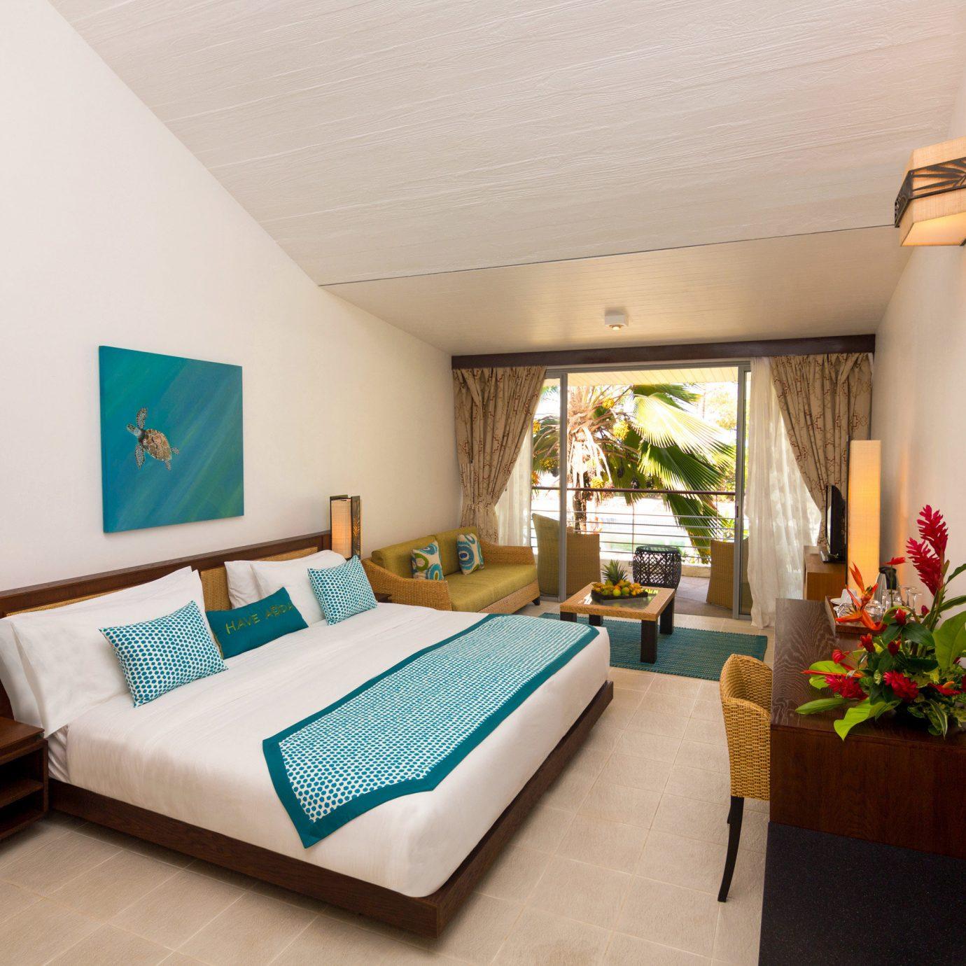 Bedroom Hip Hotels Lounge Suite property Resort Villa cottage living room condominium